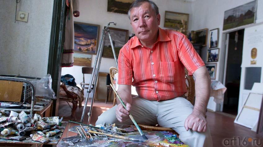 Фиринат Халиков в мастерской. 22.05.2012::Фиринат Халиков