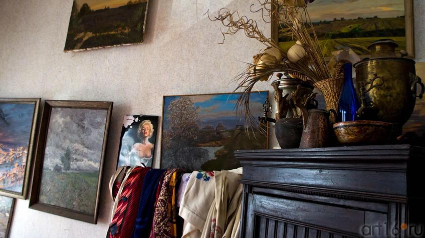Фрагмент интерьера мастерской Ф.Г.Халикова::Фиринат Халиков