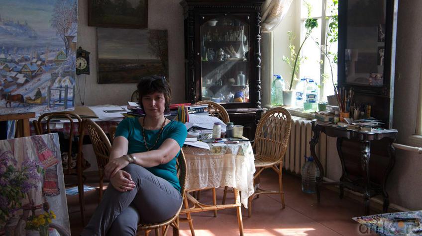 Елена Сунгатова в мастерской Ф.Халикова, 22.05.2012::Фиринат Халиков