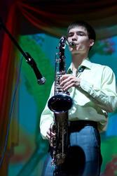 Азат Гафуров, студент юрфака КФУ, просто замечательно играет на саксофоне