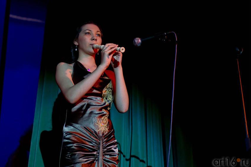 Лирическое открытие конкурса, композиция на флейте ʺОдинокий пастухʺ::Жемчужина мира - 2012