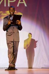 Аморим Кикандо, член координационного совета АИСА, активист, в этот день он был соведущим
