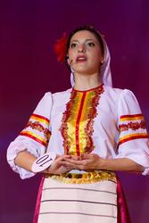 Александра (Македония) читает поэму о Родине на македонском языке