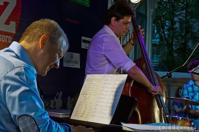 Андрей Руденко (клавишные), Дмитрий Соломатин (контрабас)::Джаз в Усадьбе Сандецкого. 2012.07.05