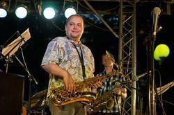 Дмитрий Забегаев (баритон-саксофон), Азат Баязитов (тенор-саксофон