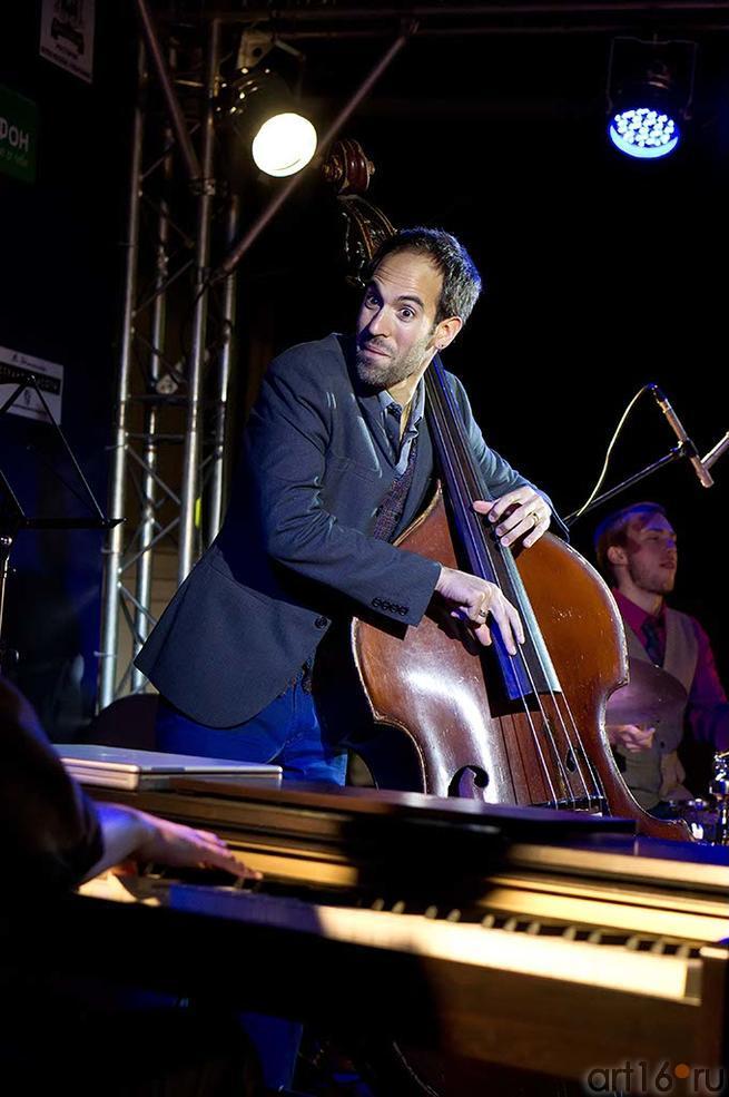 Haggai Cohen Milo — контрабас::Джаз в Усадьбе Сандецкого. 2012.07.05