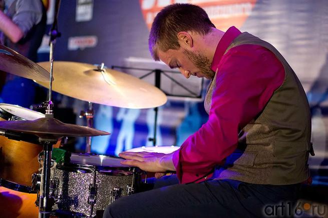 Lee Fish — барабаны::Джаз в Усадьбе Сандецкого. 2012.07.05