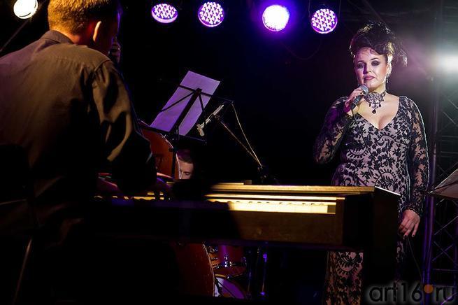 Ольга Скепнер и ʺWorld trioʺ::Джаз в Усадьбе Сандецкого. 2012.07.05