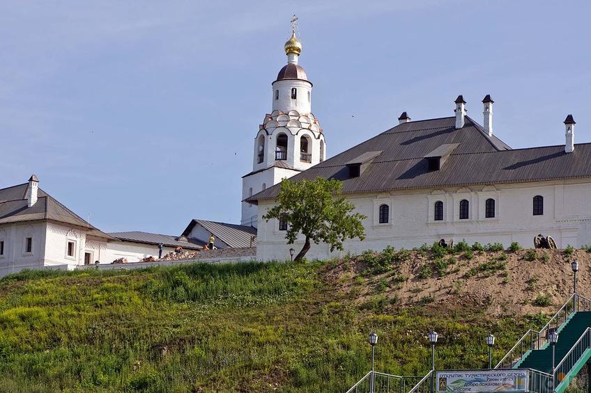 Фото №104237. Вид на Свияжск с подъездной дороги. Успенско-Богородицкий мужской монастырь