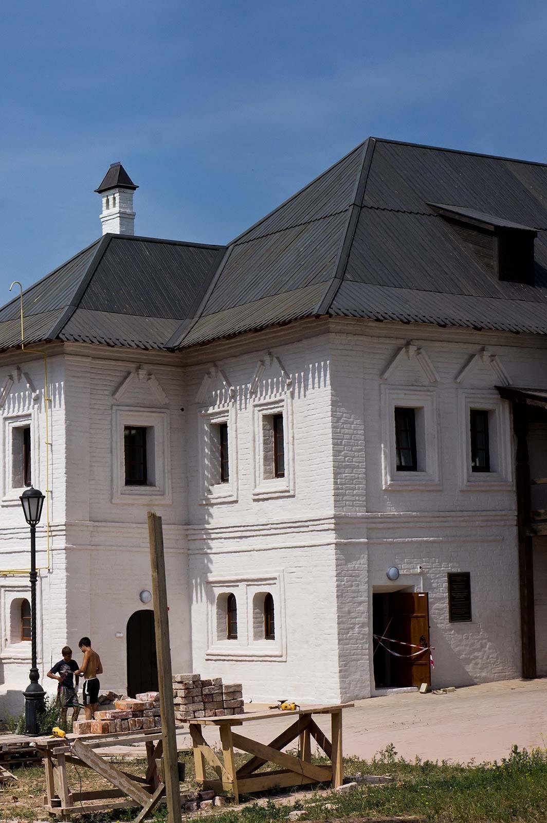 Фото №104652. Монастырское училище. Свияжск, июль 2012