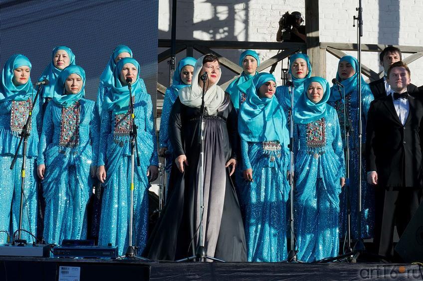 Фото №104888. Участники Государственного Камерного хора Республики Татарстан под управлением Миляуши Таминдаровой