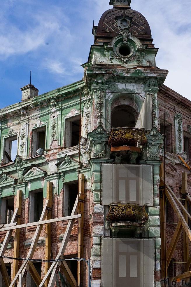Фото №105347. Руины гостиницы «Казань», июль 2012