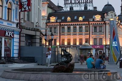 Фонтан ʺСу анасыʺ (ʺВодянаяʺ), автор-художник по металлу Башмаков Игорь Николаевич::ул Баумана, вечер 14 июля 2012