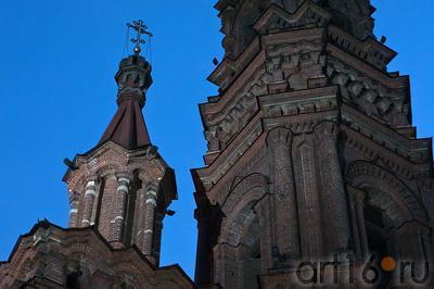 Колокольня Богоявленской церкви, Казань, ул. Баумана::ул Баумана, вечер 14 июля 2012