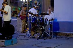 Выступление музыкального коллектива. Казань, Баумана, 14.07.2012
