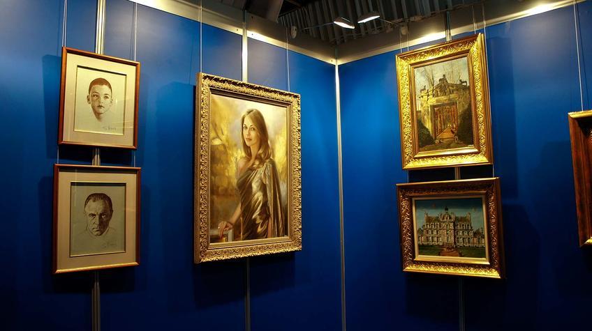 Фото №90634. Фрагмент экспозиции выставки Никаса Сафронова