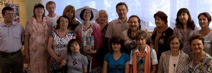 Фото №106924. Участники творческого вечера в вечерней школе №1 (г. Альметьевск, 21.07.2012)
