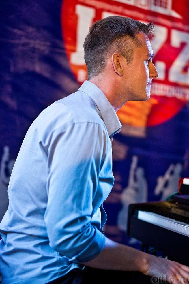 Фото №107983. Евгений Лебедев (клавишные). «Marimbа Plus», 26.07.2012