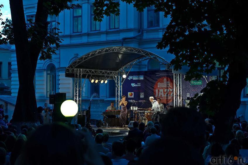 Фото №108031. «MARIMBA PLUS» feat. Татьяна Шишкова (Москва) в парке Усадьбы Сандецкого