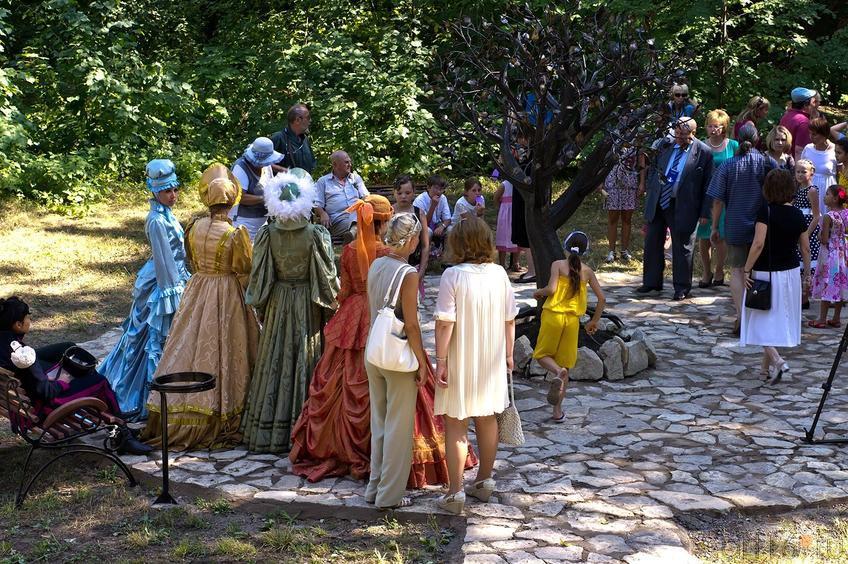 Фото №108727. Открытие памятника ''Дерево потомков''. Елабуга, Александровский сад, 3 августа 2012