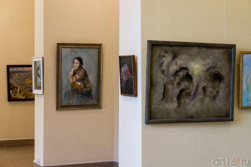 Фото №113772. Фрагмент экспозиции выставки СХ РТ ко Дню города