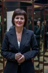 Марина Николаевна Кутнова в зеркальной комнате Леонардо
