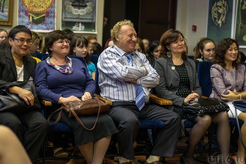 Фото №116086. В концертном зале отделения искусств Института филологии и искусств Казанского федерального университета