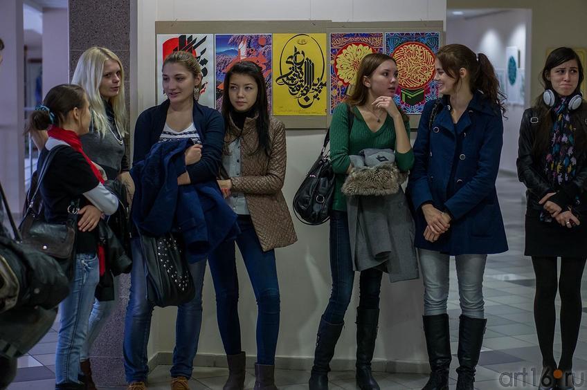 Фото №116236. На открытии выставки В.Попова ''Единение''