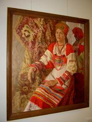 Люда в национальном костюме. «Сорока». 1995