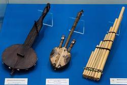 Струнный шипковый инстурмент/ Струнный смычковый инструмент/ духовой инструмент