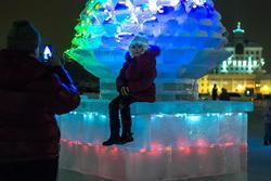 Ледовый городок, кукольный театр «Экият».Фото на память
