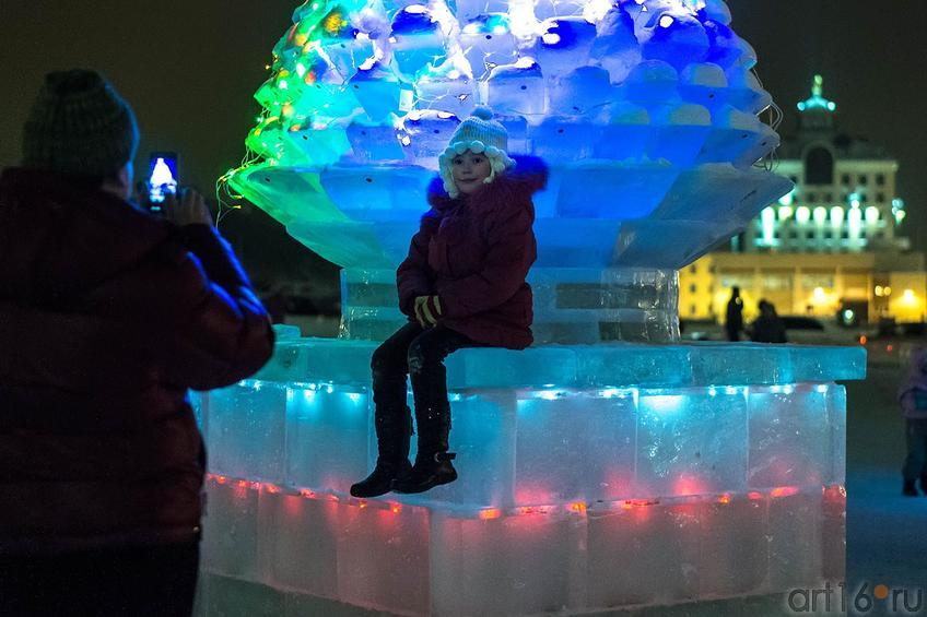 Фото №122362. Ледовый городок, кукольный театр «Экият».<br />Фото на память