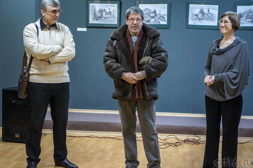 И.Самакаев, А. Крылов, О.Улемнова. Открытие выставки ʺПро-карандашʺ::Про-карандаш