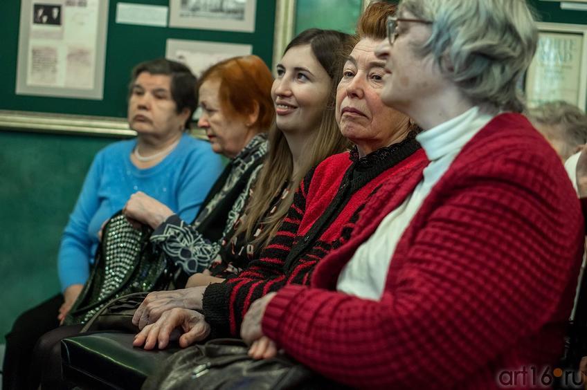 На творческом вечере Б.Г.Вайнера. В центре  — Альбина Абсалямова::«Чукотская серенада», Б.Г.Вайнер, творческий вечер к 65-и летию со дня рождения