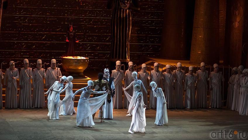 Жрецы совещаются::Опера Аида