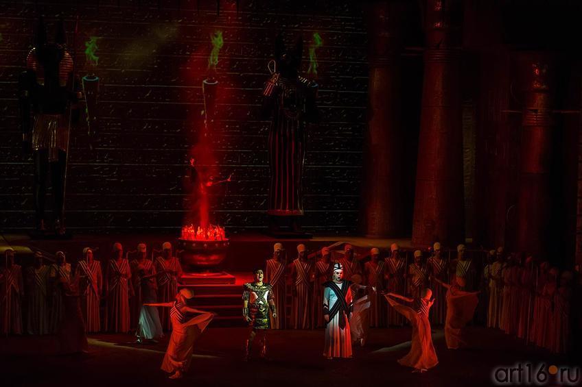 Египетские войска поведет Радамес::Опера Аида