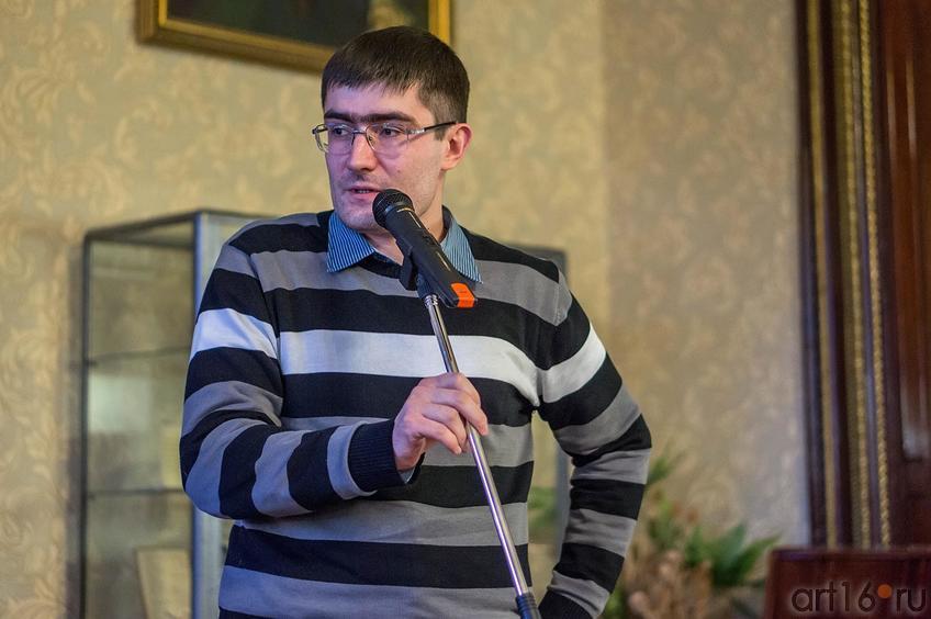 Ленар Шаех </p> <p>Ленар Миннемухимович Шаехов, татарский писатель, поэт, журналист<br /> ©Art16.ru Photo Archive