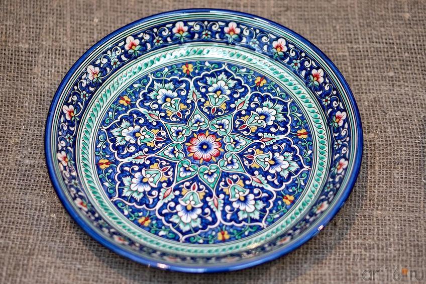Риштанская керамика, Мастерская керамики Рустама Усманова::Выставка-продажа работ художников Узбекистана «Восточный караван»