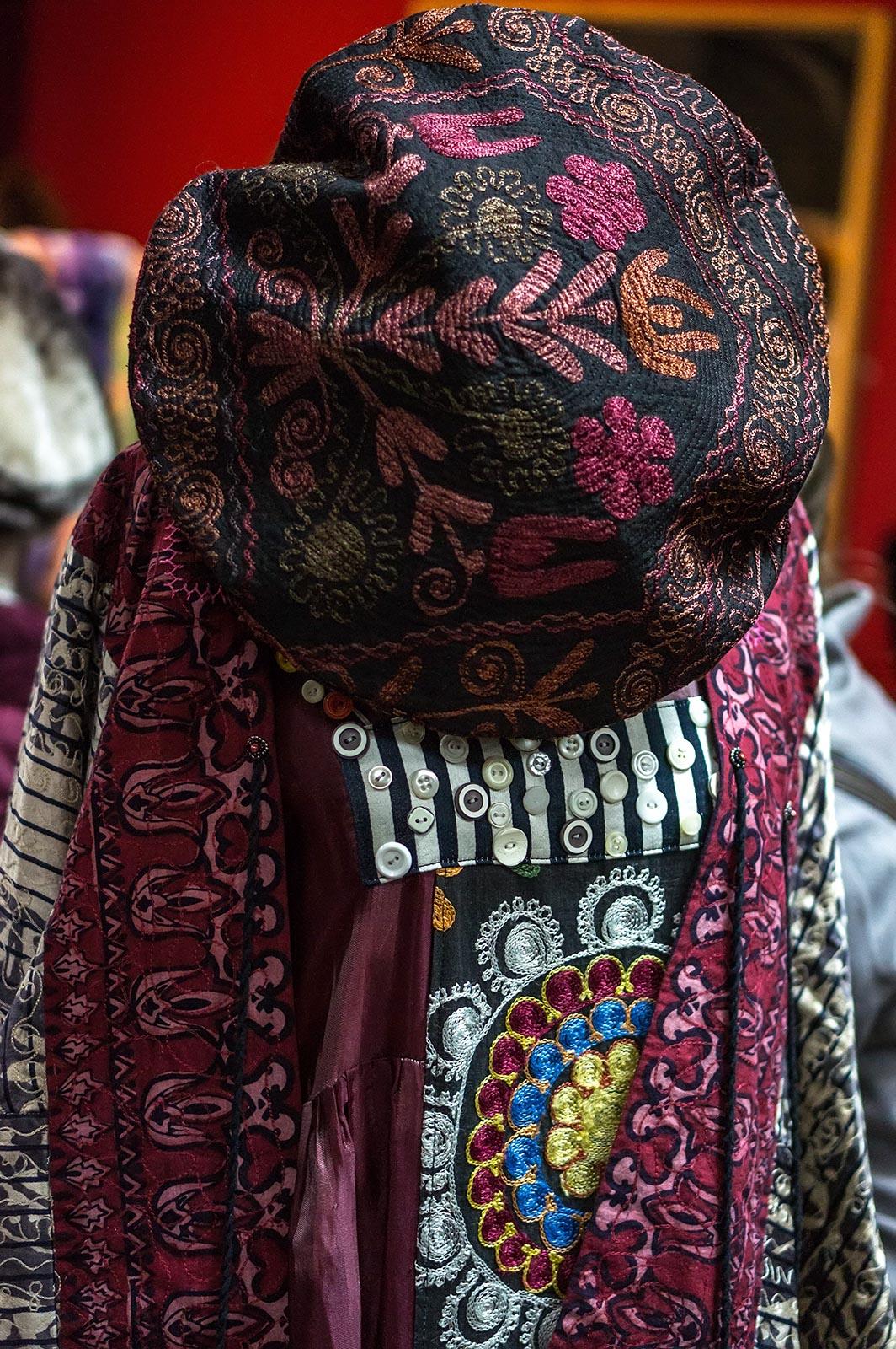 Фото №136031. Коллекция этнической одежды производства Арт-студии «Айсель»