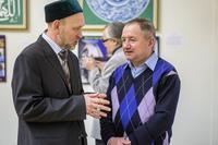 Ришат Саляхутдинов. Общение на открытии персональной выставки. 8.02.2013