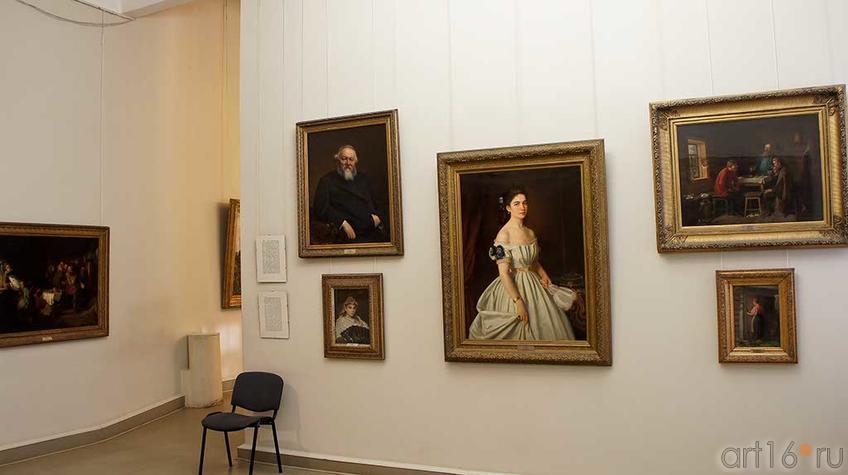 Фото №92593. Фрагмент экспозиции зала Русского искусства второй половины  XIX века