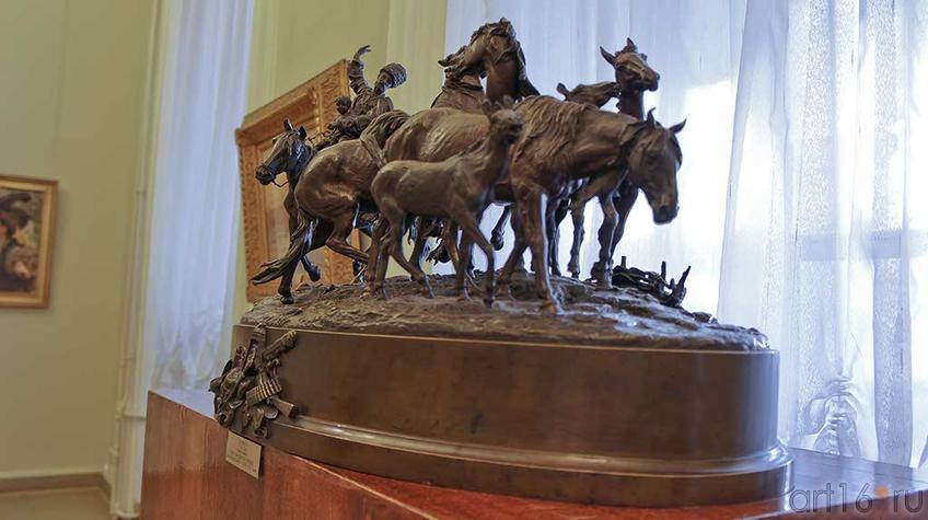 Фото №92597. Табун кабардинских лошадей.возвращающийся с поля. 1878, бронза. Лансере Е.А.
