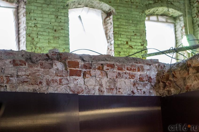 Фото №136810. Межэтажное перекрытие и окна (фрагмент), К.Маркса 15