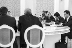 За круглым столом: О.Балтусова, А.Семин, М.Шаймиев, И. Метшин