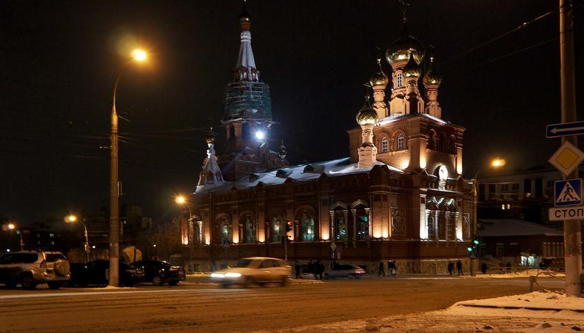 Пермь ночью. 12 января 2012 г.Вознесенско-Феодосиевская церковь (1902)::Прогулка по Перми