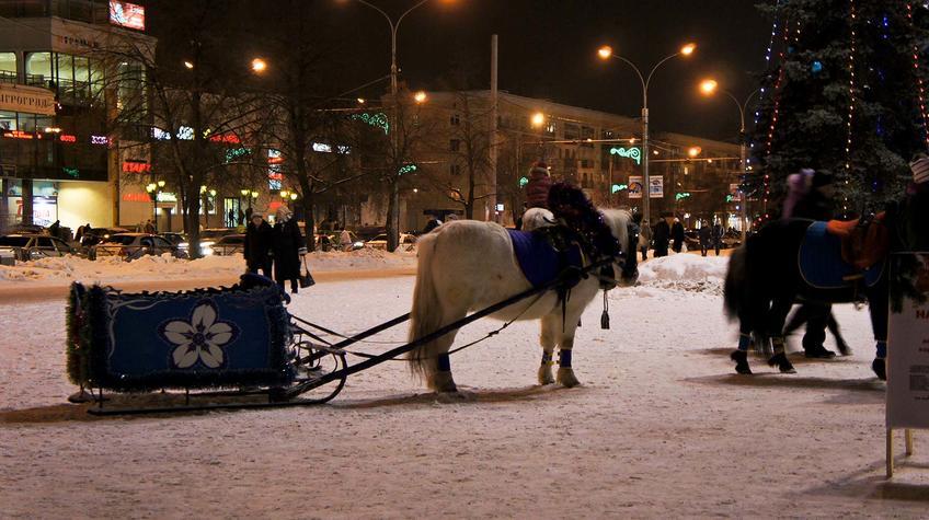 Фото №90273. Пешая прогулка по ледяным горкам Перми. Январь 2012