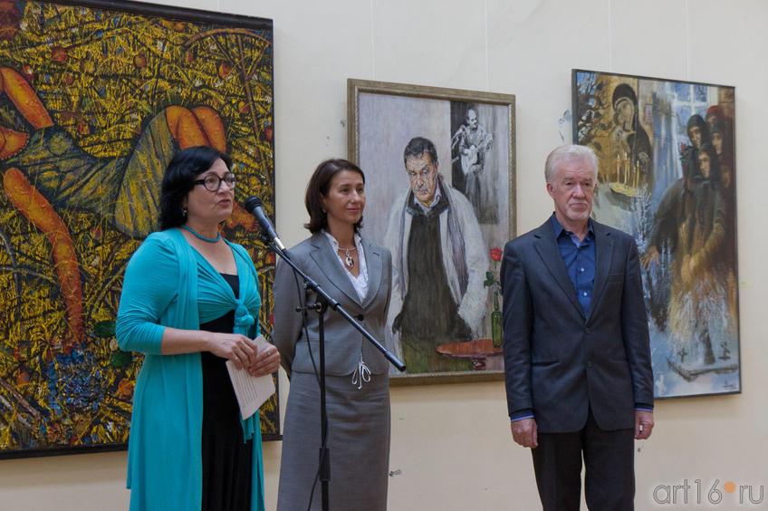 Р.Нургалеева, И.Аюпова, З.Гимаев::«Мир вокруг нас» — Республиканская выставка живописи, графики, ДПИ