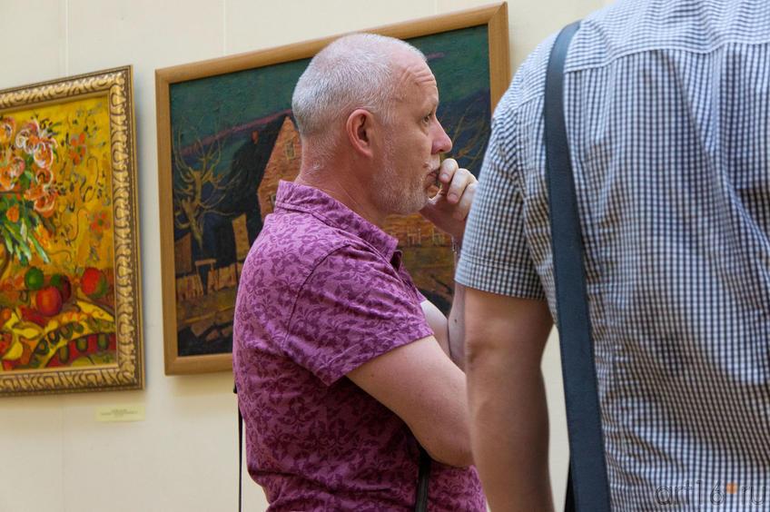Ильгизар Хасанов. Размышления у картины::«Мир вокруг нас» — Республиканская выставка живописи, графики, ДПИ