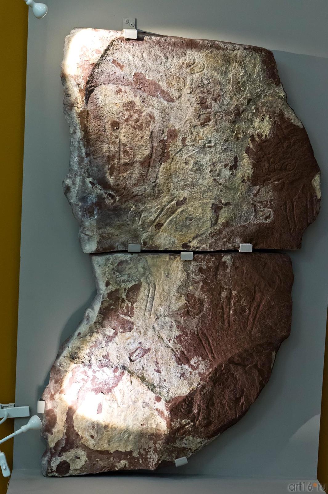 Фото №102606. Плита с выбитым изображением лосей и верблюдов VIII VII в. до н.э.