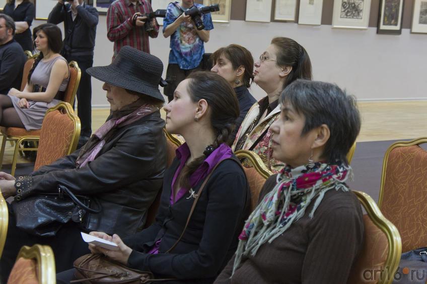 Фото №76597. На открытии выставки в Манеже (29.04.2011)